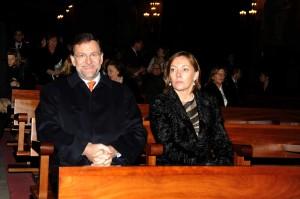 Mariano y Elvira, en misa