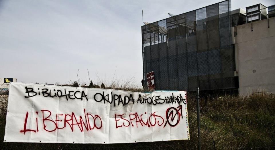 Biblioteca_Rivas_Vaciamadrid_okupada